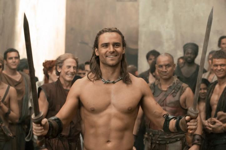Gannicus_Spartacus_bohové_areny