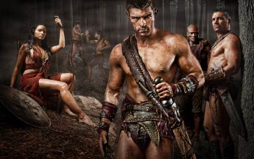 """¿Quién mejor que Enomao para darte buenos consejos en el terreno sagrado de los gladiadores? Hay muchas, muchas frases memorables 'Espartaco: Sangre y Arena"""", pero nos quedamos con esta porque adelanta el futuro de los personajes: para avanzar, van a tener que hacerlo juntos."""