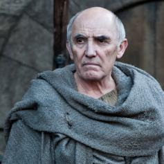 Orgulloso y leal sirviente de los Stark y básicamente un segundo padre para Bran y Rickon. Verle marchar de semejante forma fue duro.