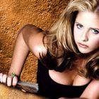 Buffy era una animadora, rubia, guapísima que mantenía a ralla la boca del infierno y que derrumbaba edificios cuando tenía sexo desenfrenado con vampiros. ¿Qué más se puede pedir?