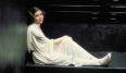 El vestido blanco largo,con capucha y sus dos moños. Cualquiera que vea estos elementos reconoce inmediatamente que estamos hablando de la Princesa Leia da igual que sea babyboomer, millenial o de la generación X. Si eso no es icónico, entonces no sabemos que puede serlo.