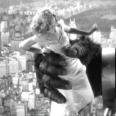 Un grito y un vestido blanco fue todo lo que necesitó Fay Wray para quedar marcada a fuego en las retinas de todos los cinéfilos del mundo. Y en las de los amantes de la moda también.