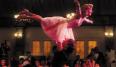 El vestido rosa empolvado con el que Baby se sublevaba ante su familia a golpe de paso de baile con Patrick Swayze no se nos olvidará fácilmente. ¡La rebelión, el romance, la tensión sexual, el estilo!