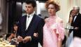 Tal y como sugiere su título al final el vestido de promoción de Andie, el personaje de Molly, es rosa y una de las estrellas de la película. Lo diseñó Marilyn Vance, que básicamente se encargó del vestuario de todas las películas de John Hughes protagonizadas por los actores del grupo conocido como Brat Pack.