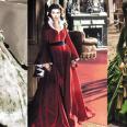 Cosas que conseguir antes de morir: 1) levantar la ceja con tanto estilo como Vivien Leigh. 2) Conseguir convertir unas cortinas en el maravilloso traje verde de Escarlata O'Hara… aunque en general cualquiera de los vestidos que Walter Plunkett diseñó para el guardarropa de la protagonista nos vale. ¡Auténticas obras de arte!