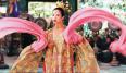 Emi Wada está detrás del maravilloso y colorido vestuario de La Casa de las Dagas Voladoras. Uno tras otros sus diseños no hacen más que dejarte con la boca abierta.