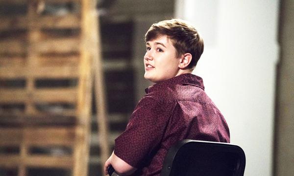 Michael-de-Rise---personajes-adolescentes-LGBT