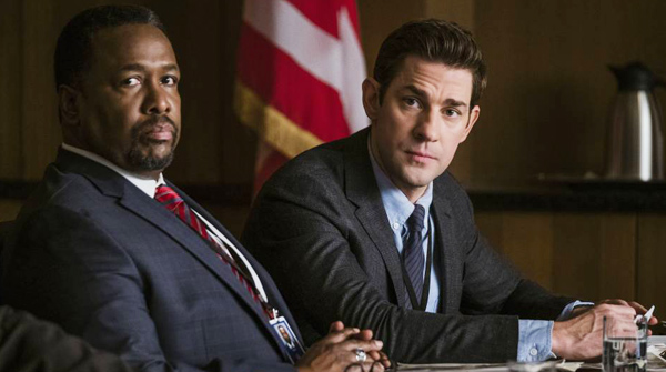 Wendell Pierce y John Krasinski como James Greer y Jack Ryan en la serie de Amazon