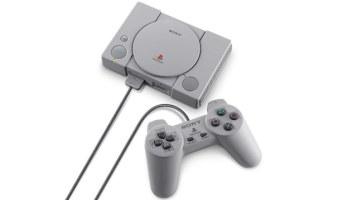 PlayStation Classic con mando