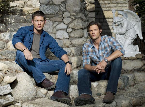 Jensen Ackles y Jared Padalecki son Dean y Sam Winchester en Supernatural