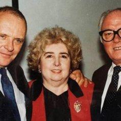 Maria Snoeys-Lagler con Anthony Hopkins y Richard Attenborough