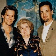 Maria Snoeys-Lagler con Kevin Bacon y Tom Hanks
