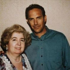 Maria Snoeys-Lagler con Kevin Costner