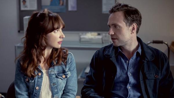 Rafe Spall y Esther Smith protagonizan Trying, serie de la BBC y Apple TV